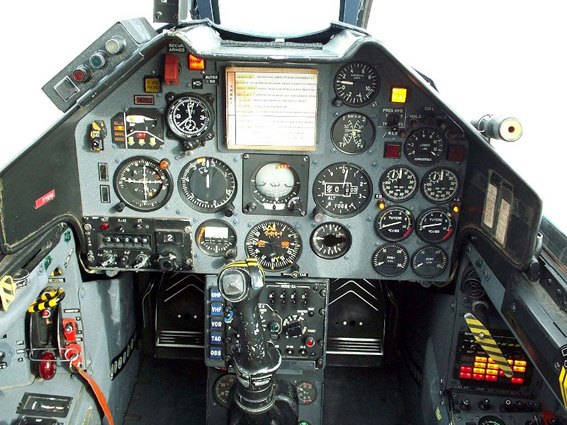 cockpitalphajet.jpg