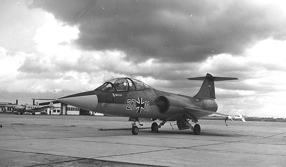 f-104-avec-c-de-f.jpg