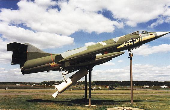 f-104-et-fusee.jpg