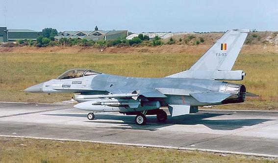 F 16 cazaux 1